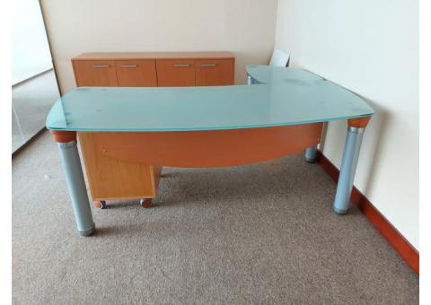 0558601999 WE BUY USED OFFICE FURNITURE
