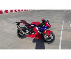 2020 HONDA CBR1000RR-R FIREBLADE SP WhatsApp +13236413248