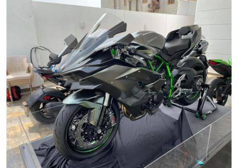 2018 Kawasaki Ninja H2R WhatsApp +13236413248